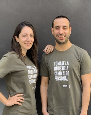 Camiseta unisex chico y chica con mensaje Amnistía Internacional