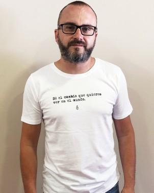 Camiseta ecológica hombre color blanco Amnistía Internacional con mensaje